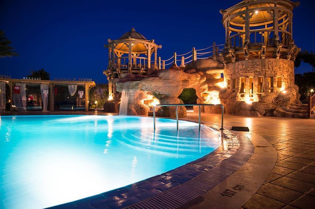 Hotel-Charmillion-Sea-Life-Resort-Sharm-El-Sheikh-Egipt-Party-Trip-1