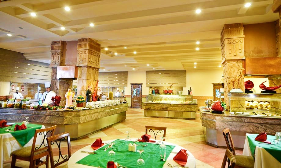 Hotel-Charmillion-Sea-Life-Resort-Sharm-El-Sheikh-Egipt-Party-Trip-9
