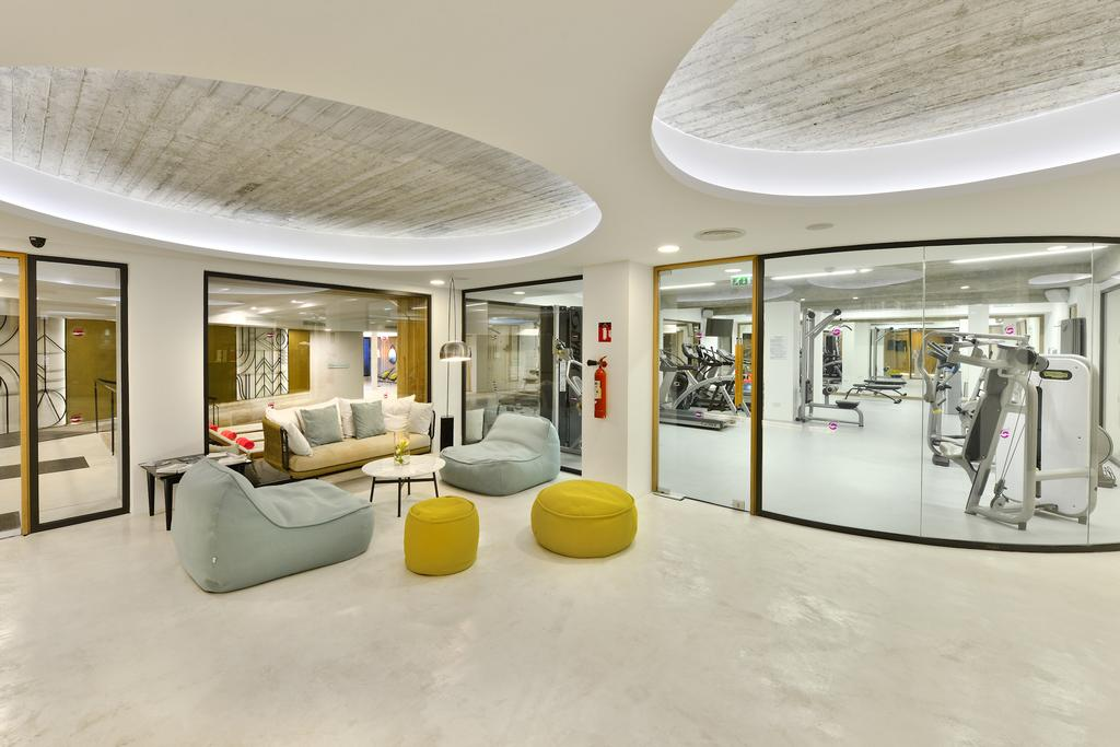 Napa Mermaid Design Hotel & Suite fitness room by Party Trip Travel Agency