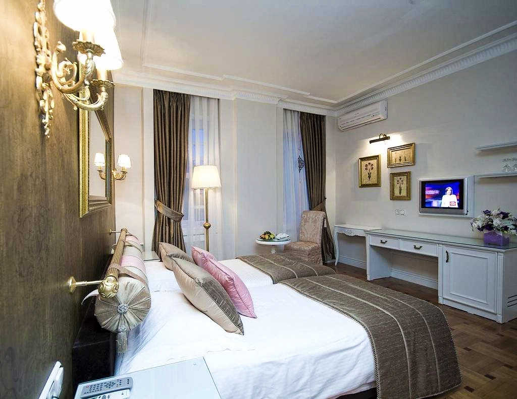 Avicenna-Hotel-Istambul-room-agentia-Party-Trip