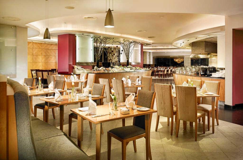 Hotel-Furama-River-Front-Singapore-restaurant