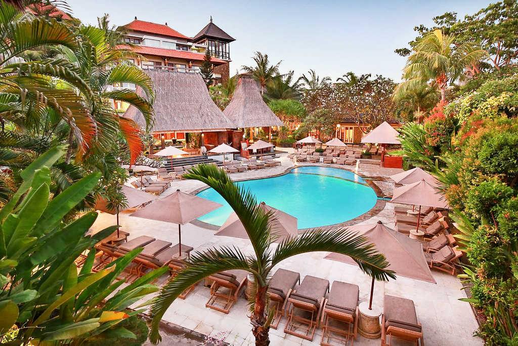 Vacanta-Bali-Hotel-Ramayana-Resort-and-Spa-view