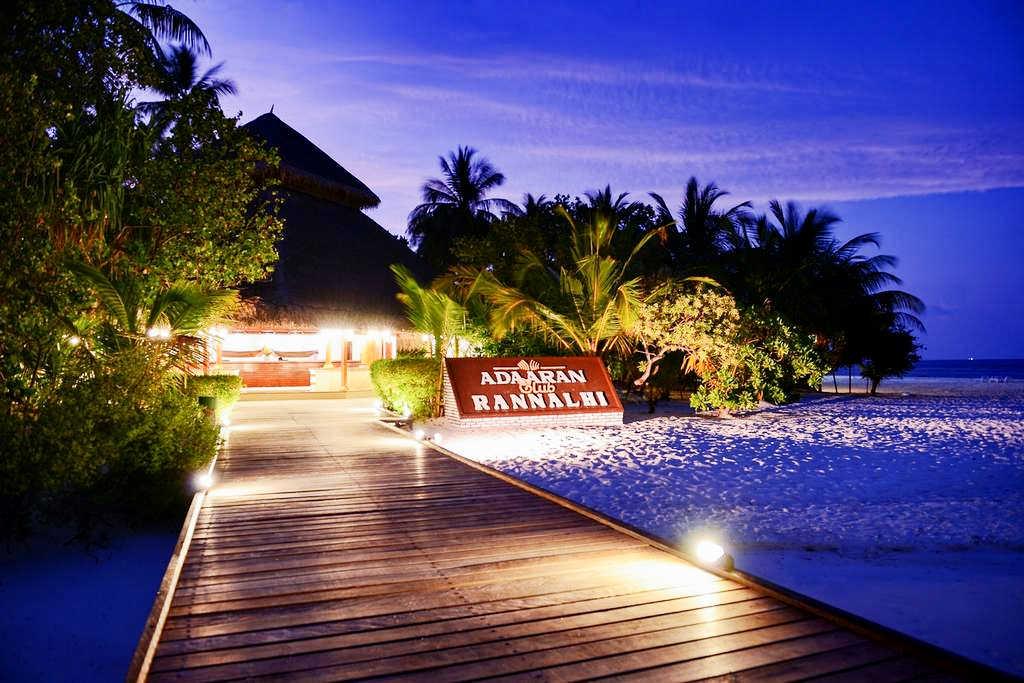 Vacanta-Maldive-Adaaran-Club-Rannalhi-Party-Trip-5