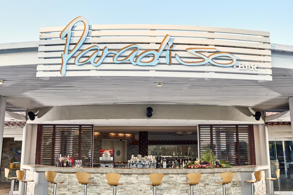 Esperos Palace Resort paradiso bar by Party Trip Romania