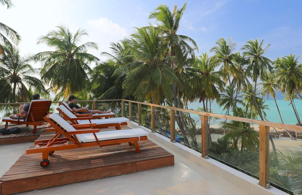 Kaani Beach Hotel at the sun by www.partytrip.ro