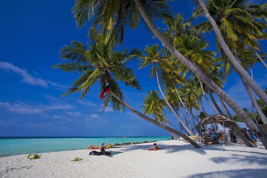 Kaani Beach Hotel beach view by www.partytrip.ro