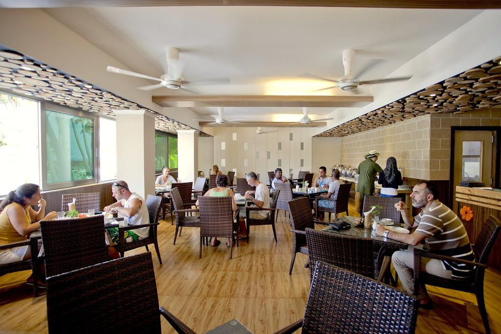 Kaani Beach Hotel morning by www.partytrip.ro