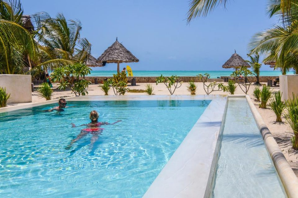 Oferta Vacanta Zanzibar la Nur Beach Resort pool view by www.partytrip.ro