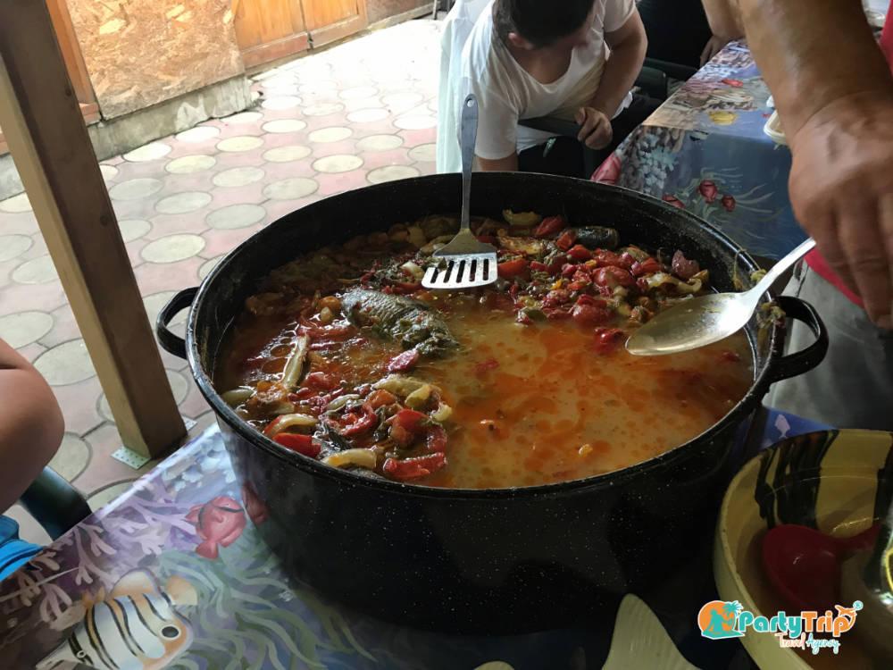 Bors de peste in Sulina - Agentia de turism Party Trip