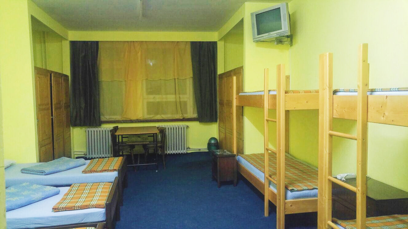 cazare camera 8 persoane UNTOLD festival - tip camera1b