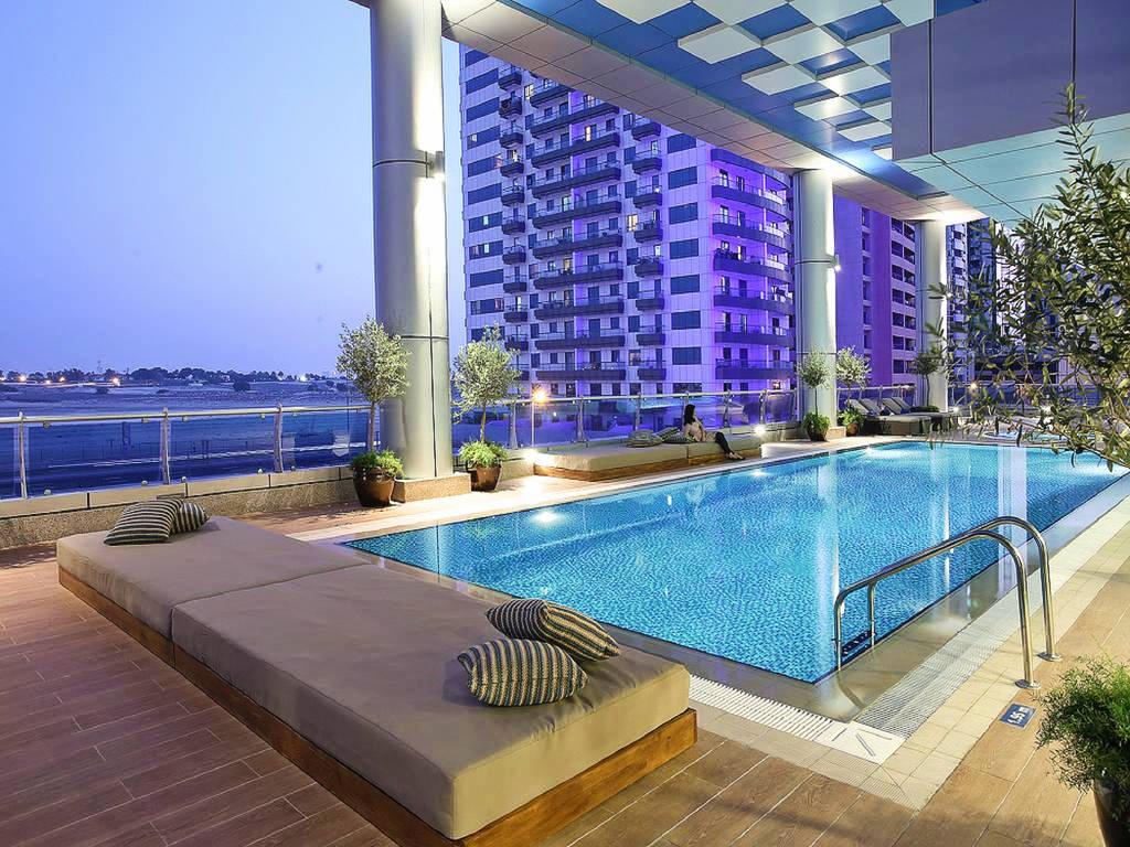Vacanta Dubai la Auris Inn Al Muhanna Hotel vedere piscina