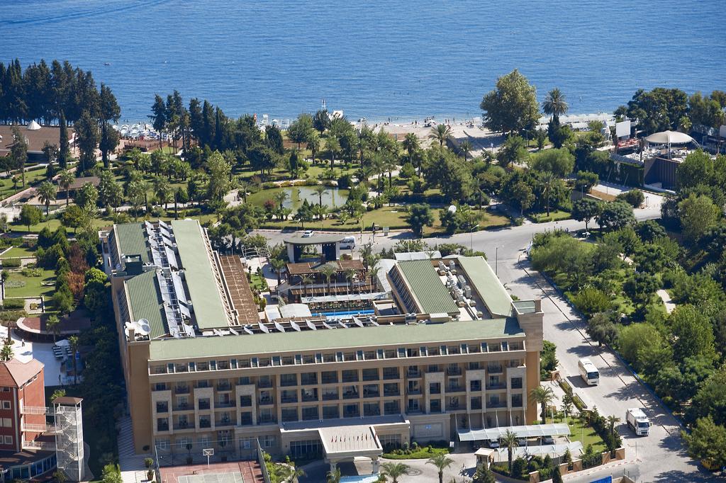 Vacanta de lux in Antalya la Crystal De Luxe Resort & SPA