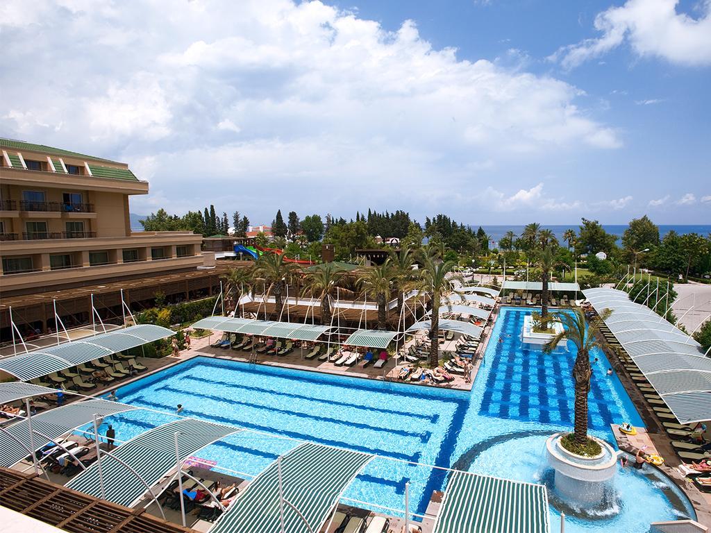 Vacanta last minute in Antalya la Crystal De Luxe Resort & SPA